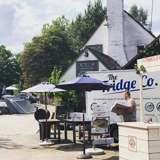 Some more satisfied customers at #henleyregatta. One of our trailers looking stylish outside the @thelittleangelhenley 👏👍