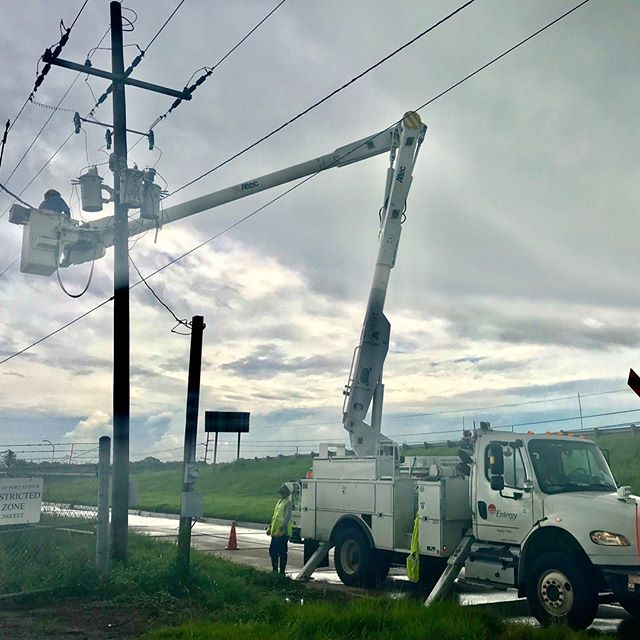 At the peak of #TSImelda yesterday, September 19, Entergy Texas had approximately 40,000 customers without power. As of 6:30 p.m., Entergy has restored power to more than half of those customers, and approximately 10,000 customers remaining without power, with 1,800 of those outages a result of additional storms today.