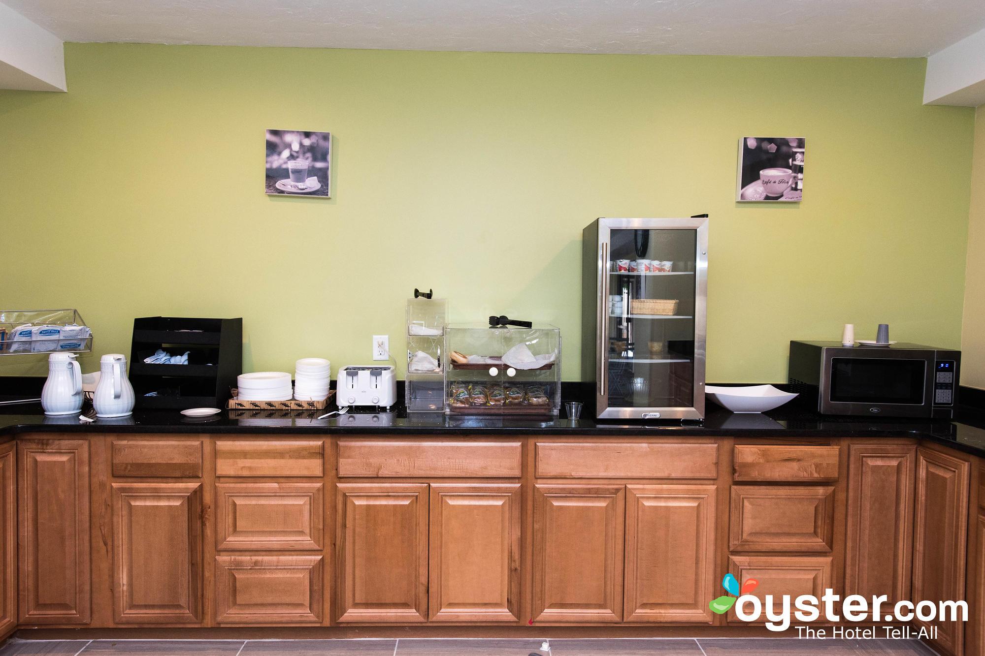 breakfast-room--v13334054-2000.jpg