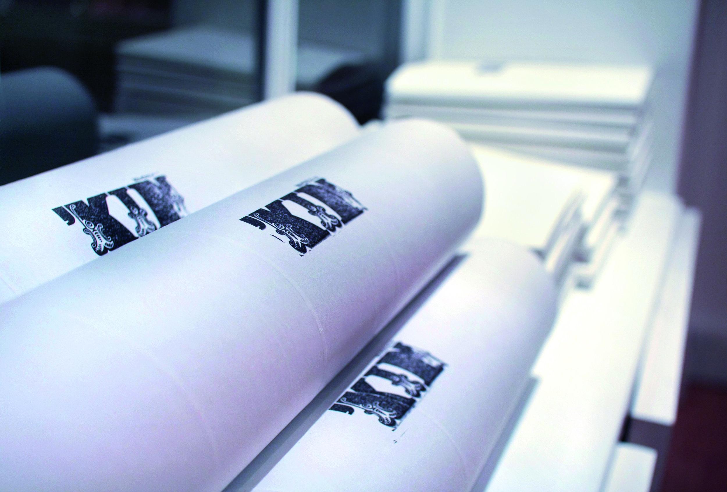 KIN_poster_tubes.jpg