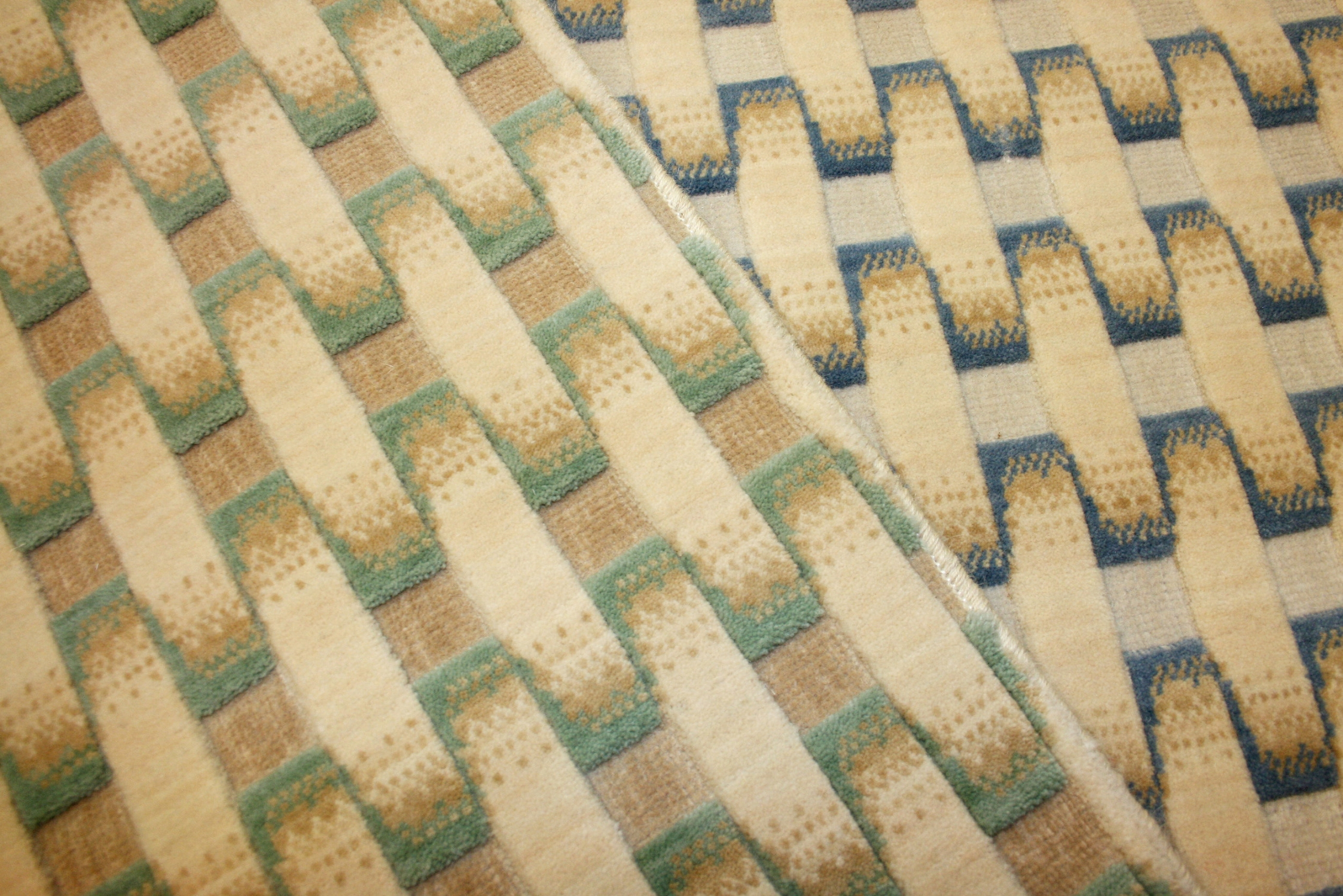 Basket-weave patterned high-low wool carpet