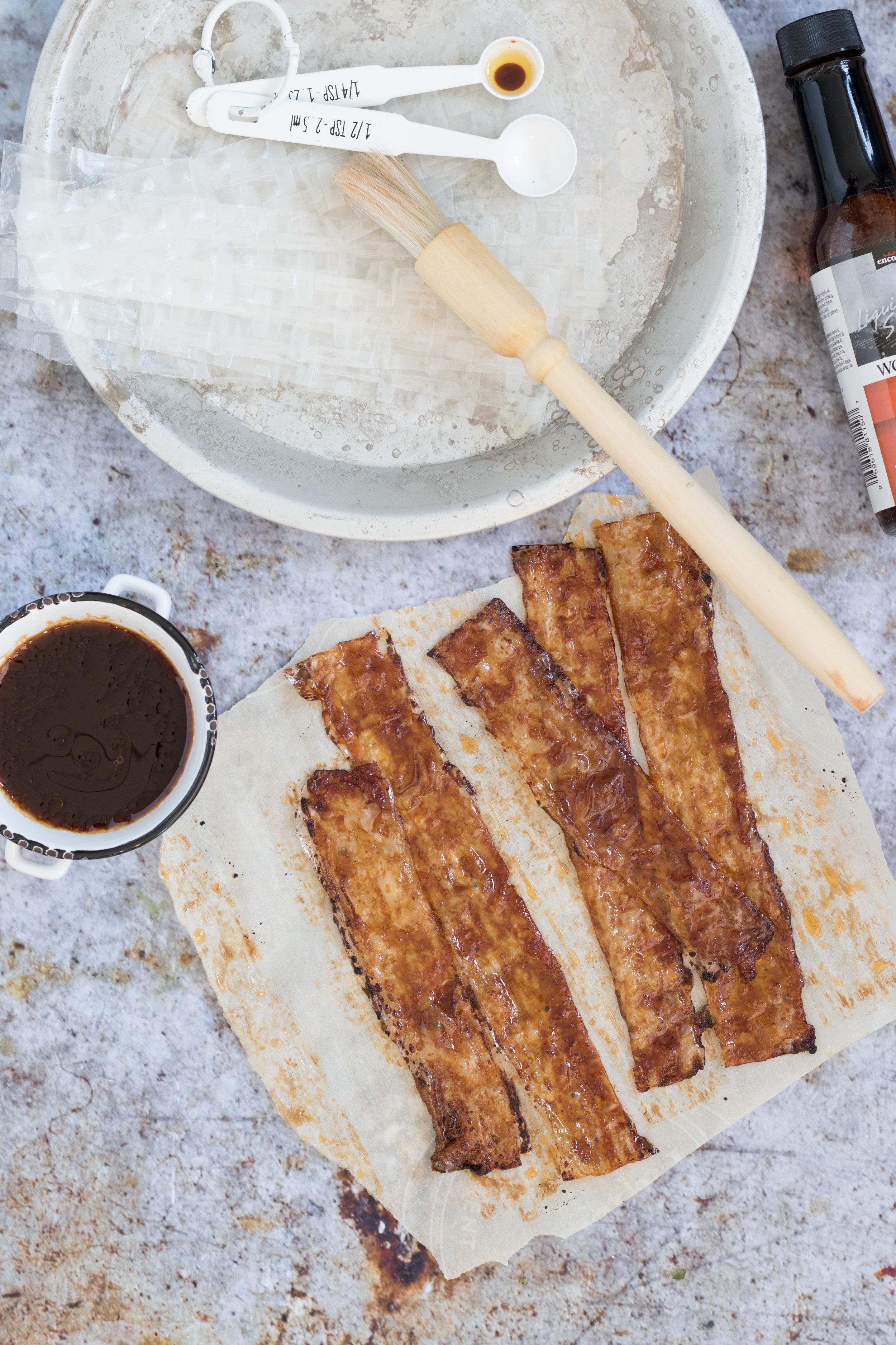 Vacon (bacon végétalien) Photographie et stylisme culinaire : Hubert Cormier
