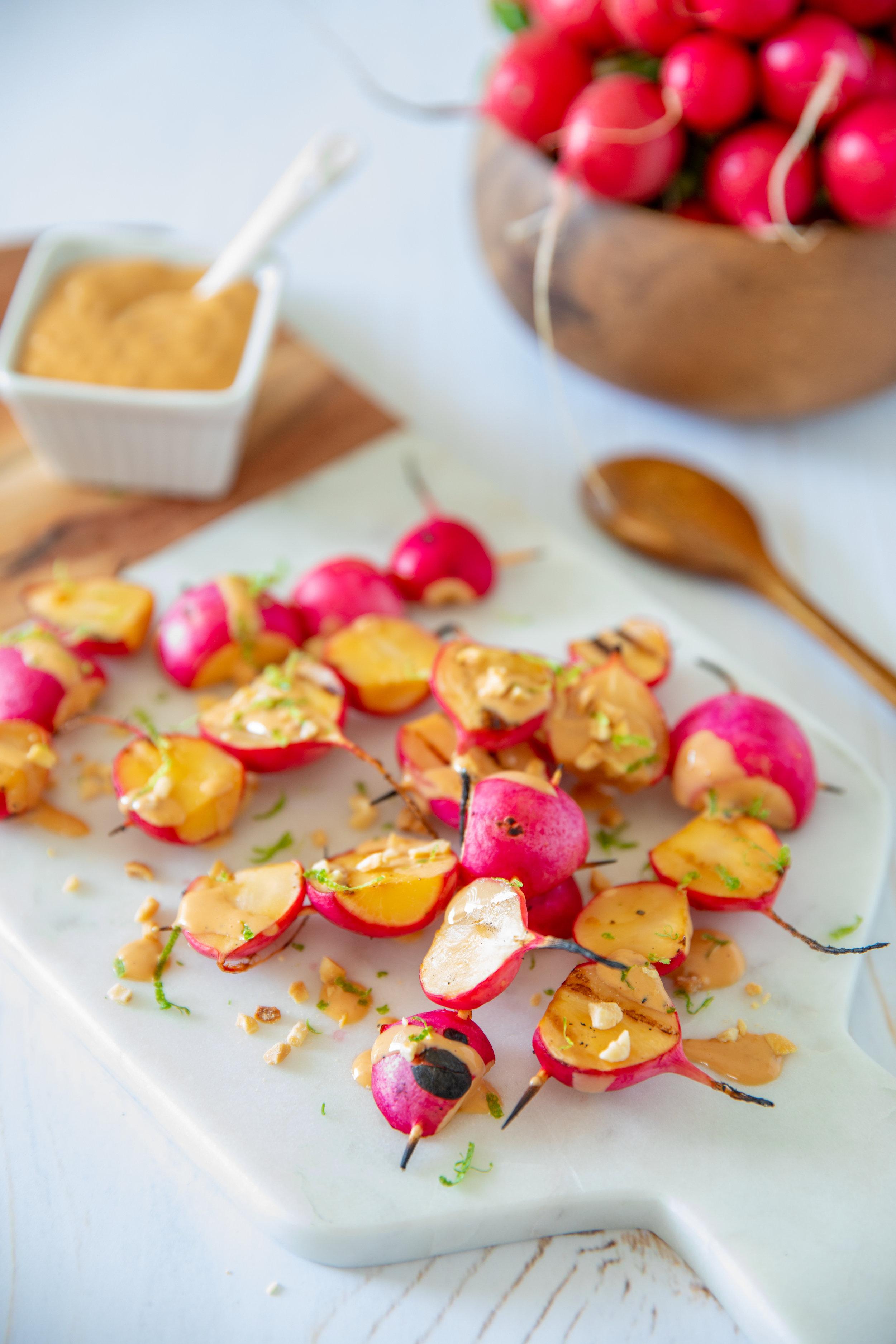 Brochettes de radis grillés style satay