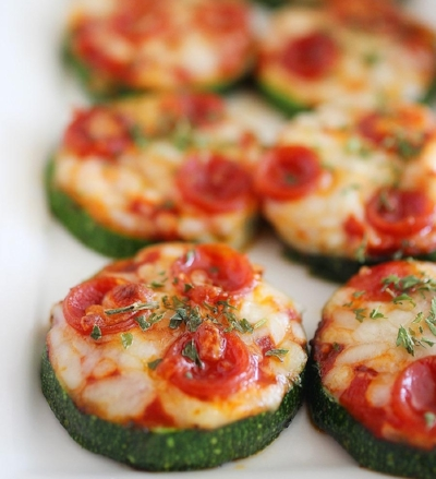 ZucchiniPizzaBites-2.jpg