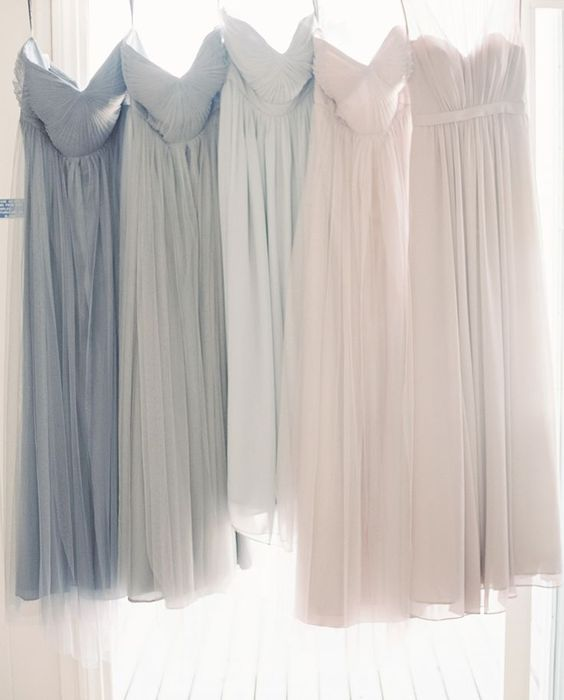 Ombre bridesmaids dresses; Image via Style Me Pretty