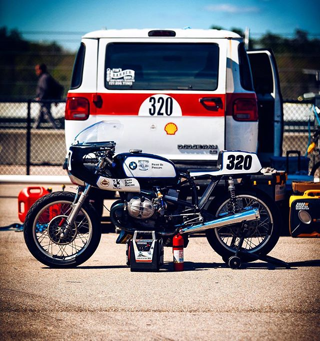 Hey @bmw can you guys send me one of these. #sickestbikeever   #motorcycle #vintageracing #vintage #awesome #racebike #bike #bmw #photooftheday #awesome #photography