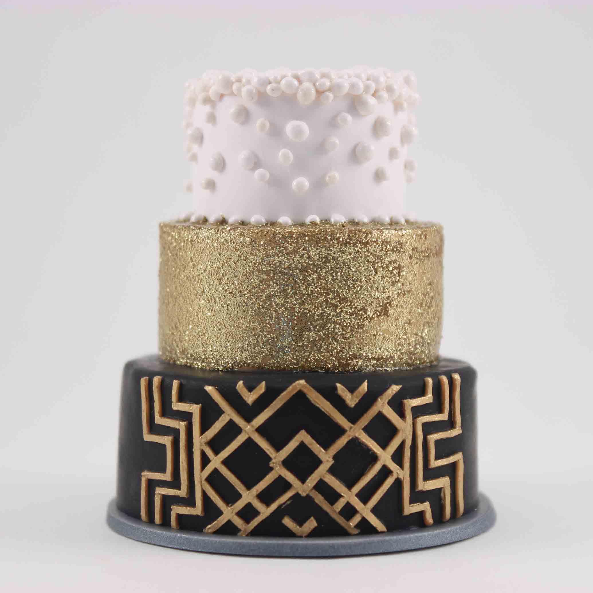 mini replia of a art deco wedding cake.jpg