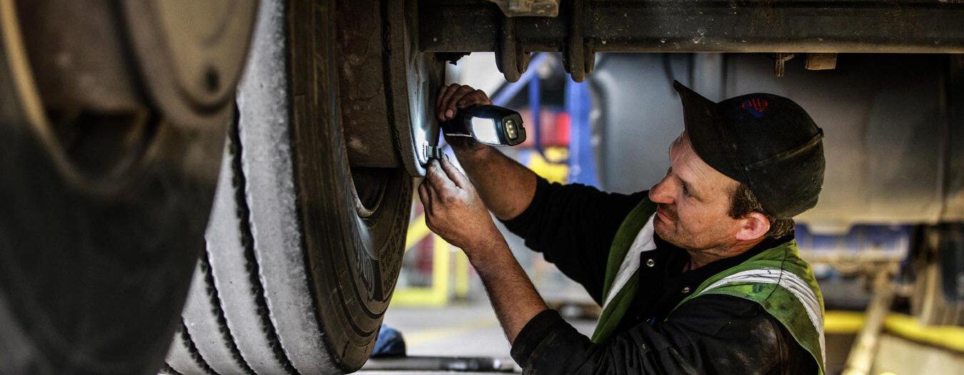 truck-mechanic.jpg