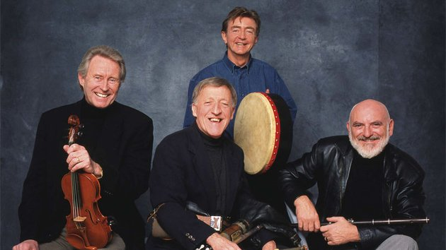 THE CHIEFTAINS. FROM L-R SEÁN KEANE, PADDY MOLONEY, KEVIN CONNEFF & MATT MOLLOY