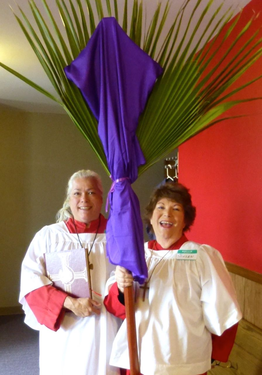 robyn Stephens and Susan Clemons with palmcross.jpg