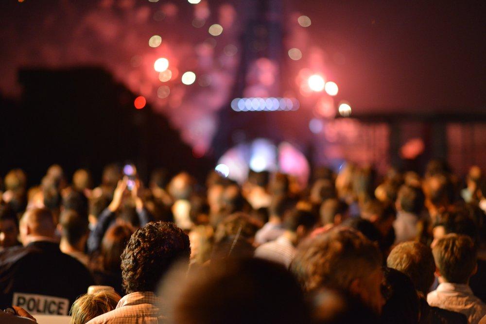 paris+crowd.jpg