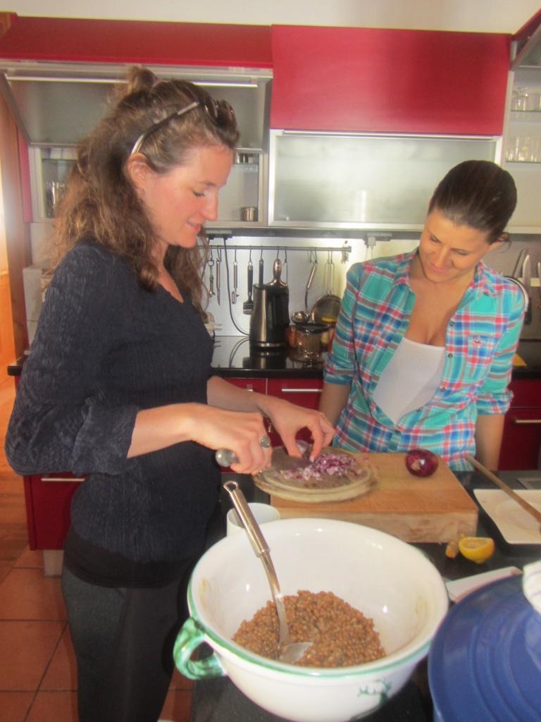 Arbeit in der Küche_TCM & Yoga Seminar_Ötscher_1703.jpg