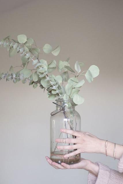 Minimalist Flower Arrangements Recycled Glass Vases House Anna