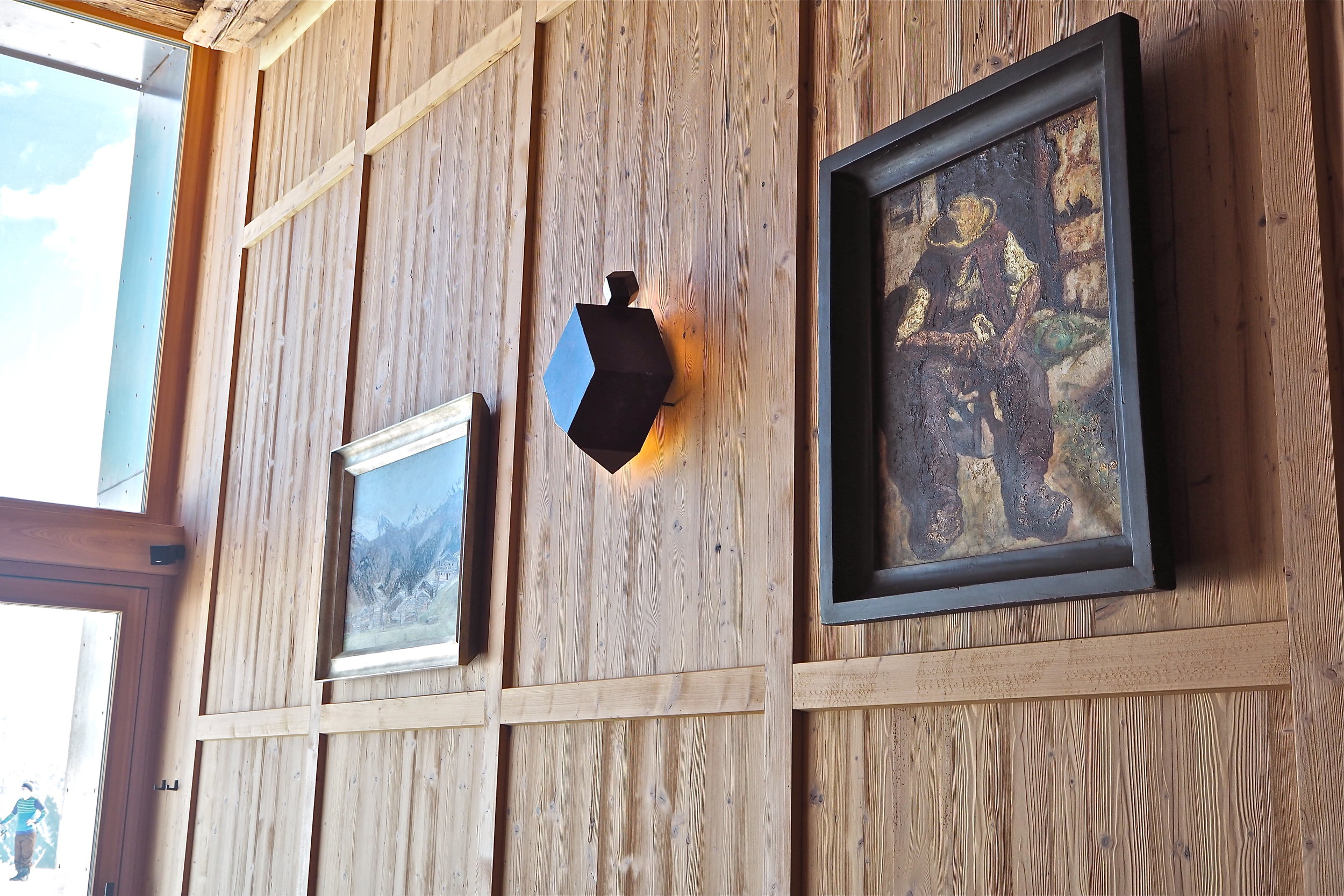Wood panel and light featur.