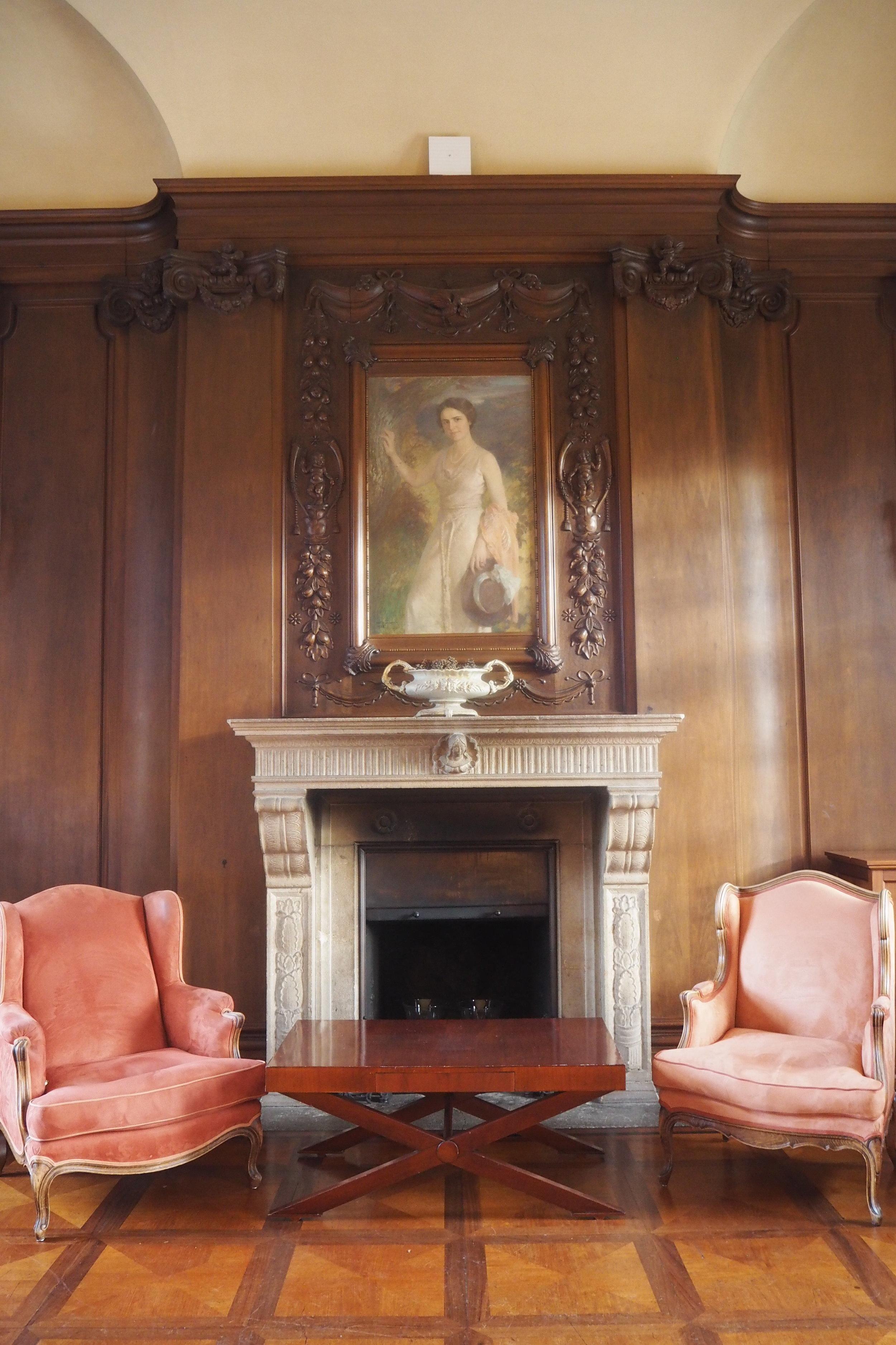 Villeroy & Boch drawing room at the castle.JPG