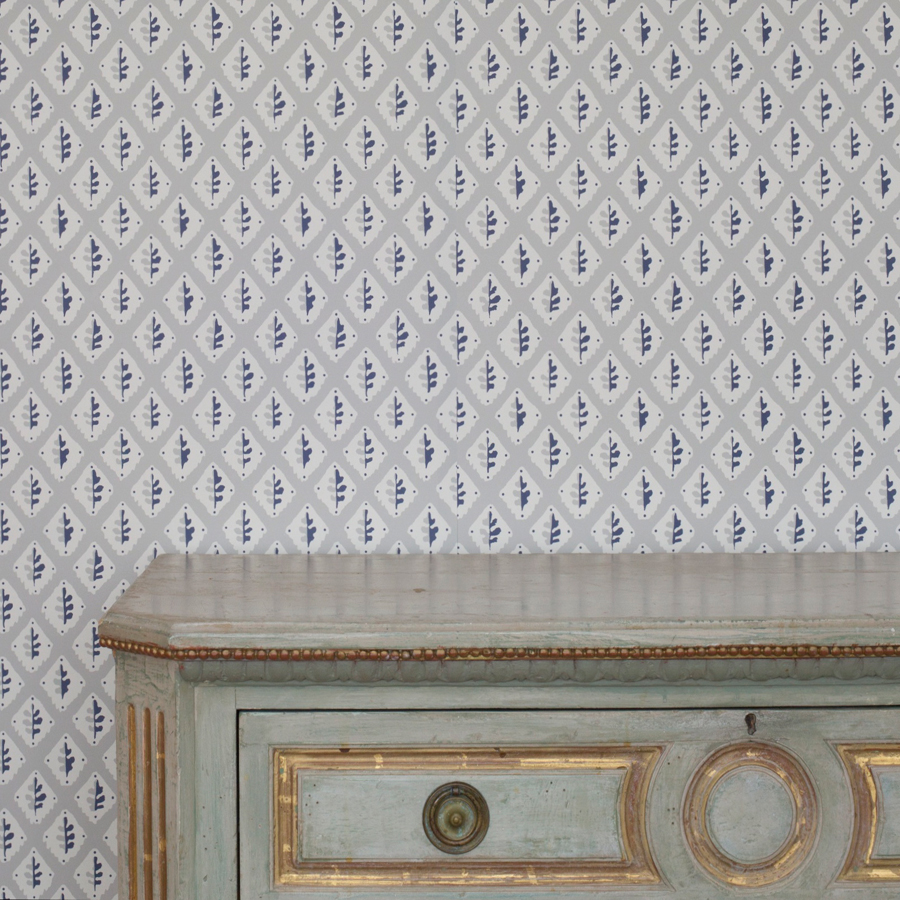 House Anna Oak Leaf Wallpaper in Taupe Grey