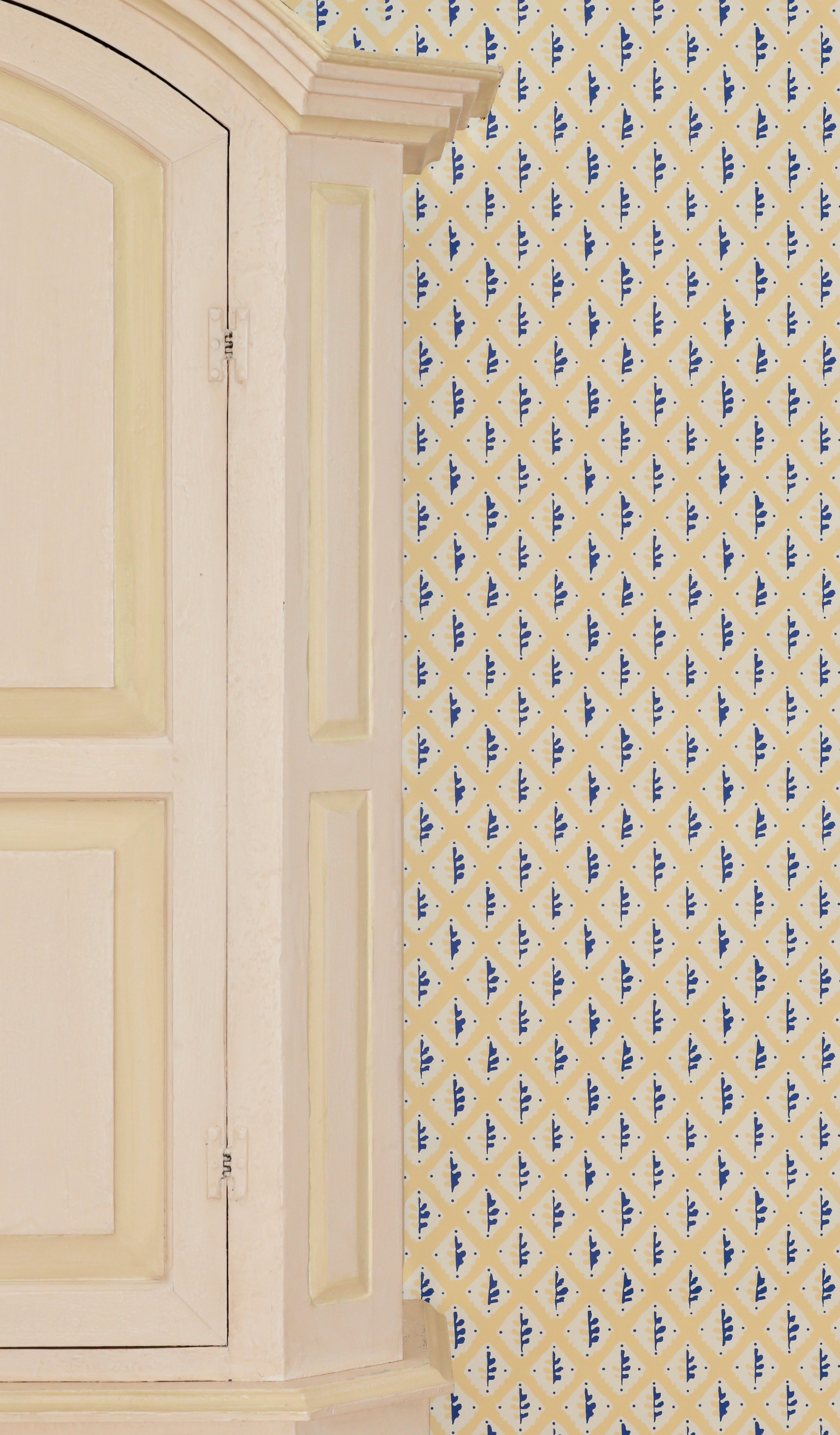 Oak Leaf Wallpaper by House Anna.jpg