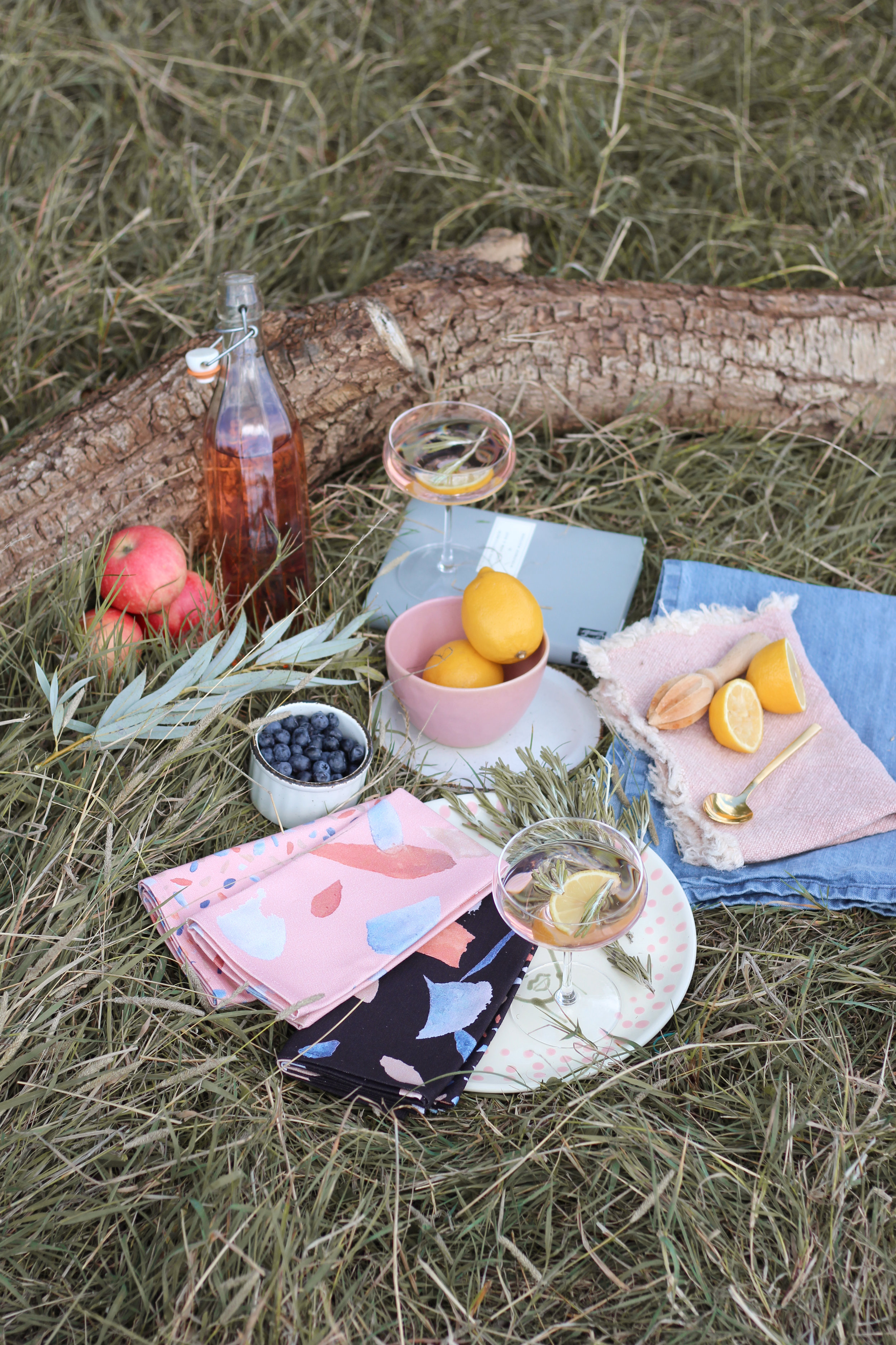 How to style the perfect summer picnic