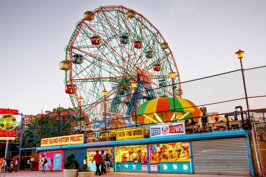 Coney-Island-Brooklyn-NYC-BrittanyPetronella-DSC_5174-2_900_600_70.jpg