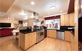 new home kitchen.jpeg