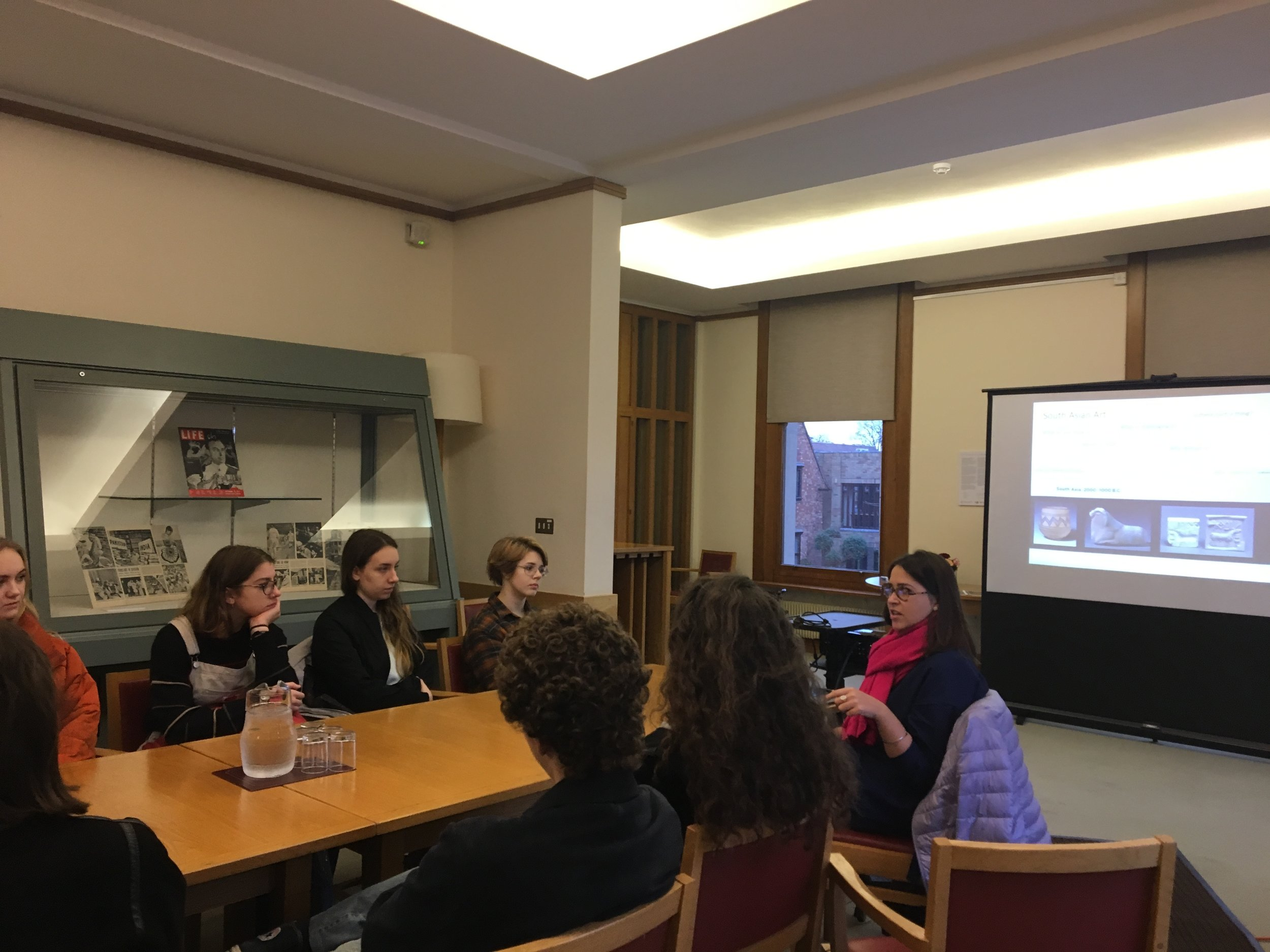 Cleo Roberts speaks with students at Wolfson College, Cambridge
