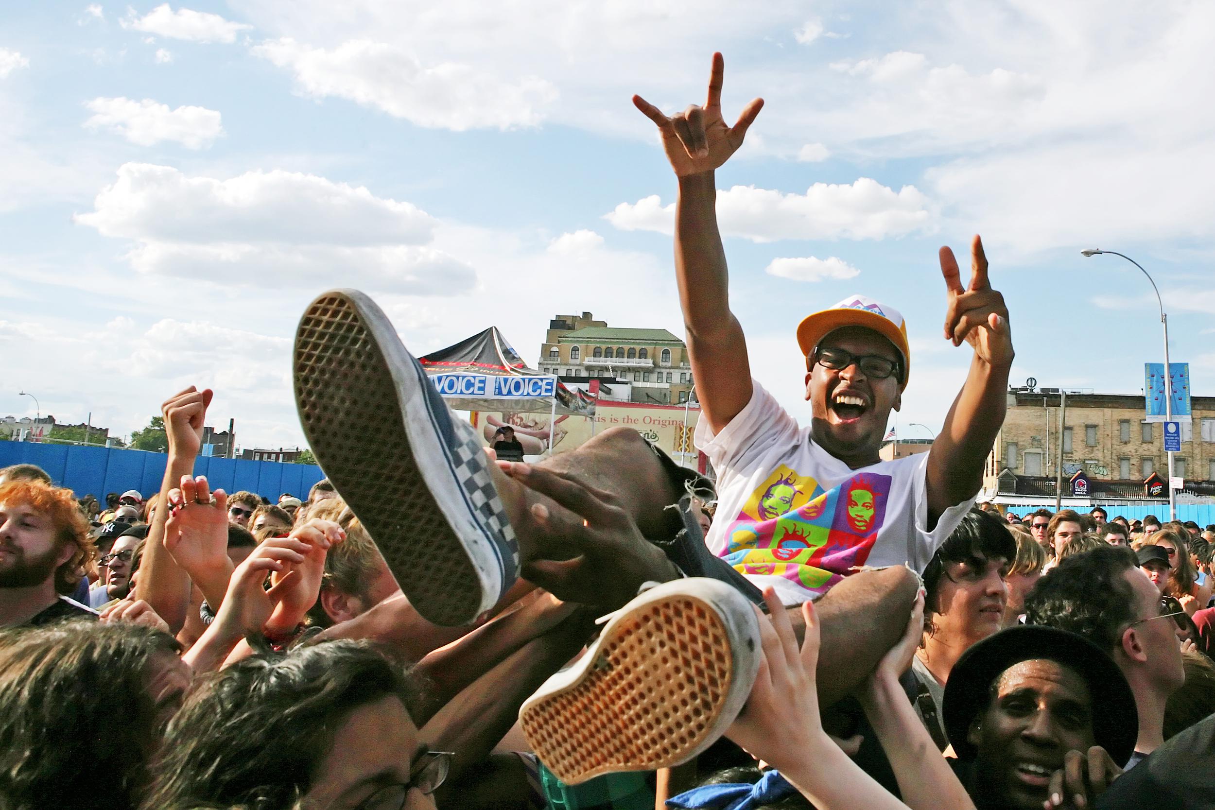 crowdsurfer-at-siren-music-festival_871182755_o.jpg