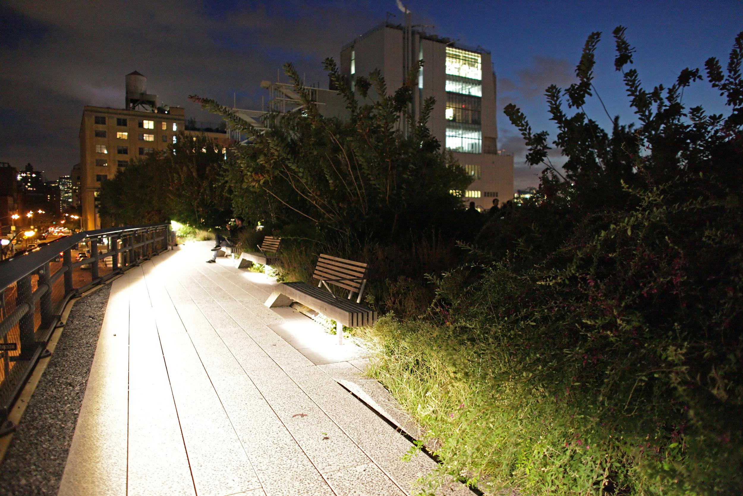 walking-above-light-high-line-lighting-tour_15582988925_o.jpg