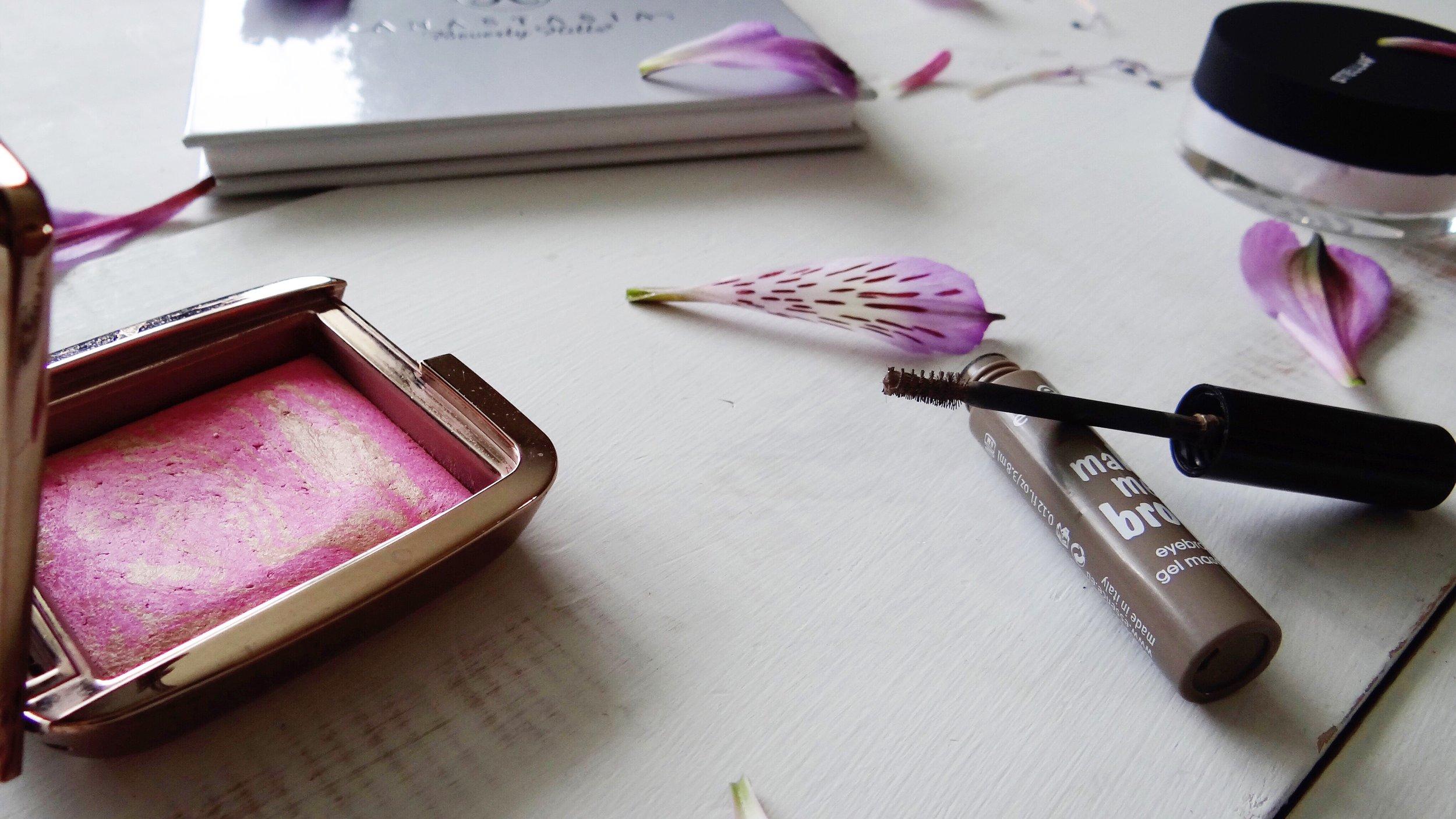 Minimalist & Cruelty-Free Makeup Routine - Artistry by Jacquie, Ottawa Makeup Artist (Stellar Cosmetics, Anastasia Beverly Hills, Hourglass Cosmetics & Essence Cosmetics)