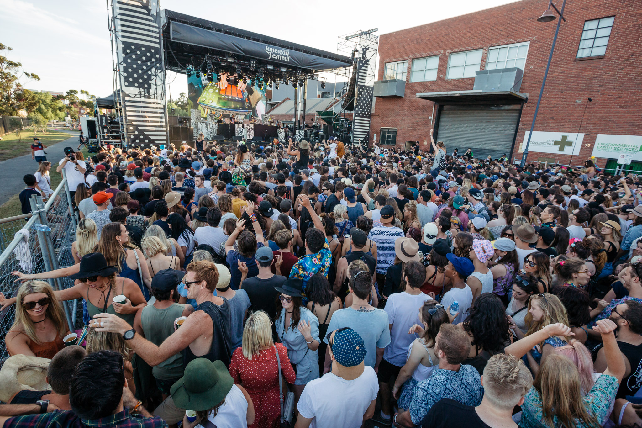 The Very West Stage - Melbourne Laneway Festival 2016