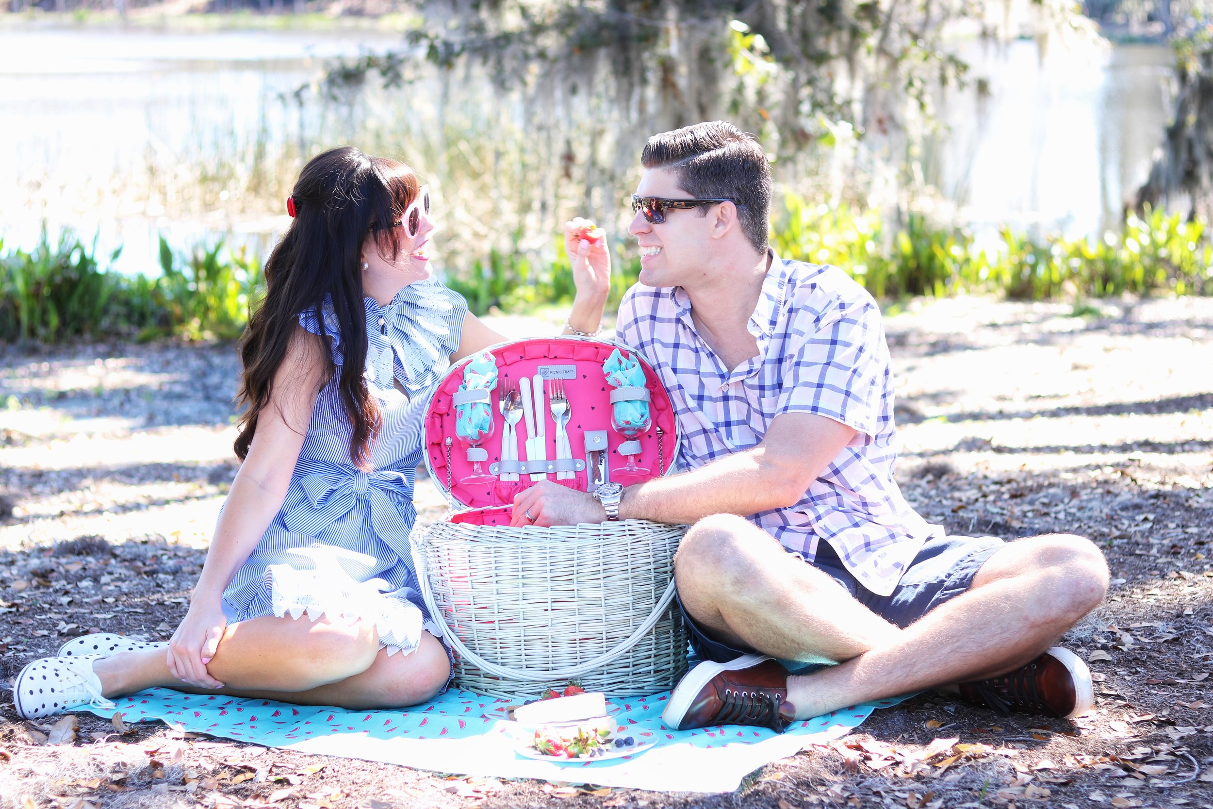 Picnic Time Romance picnic basket.jpg