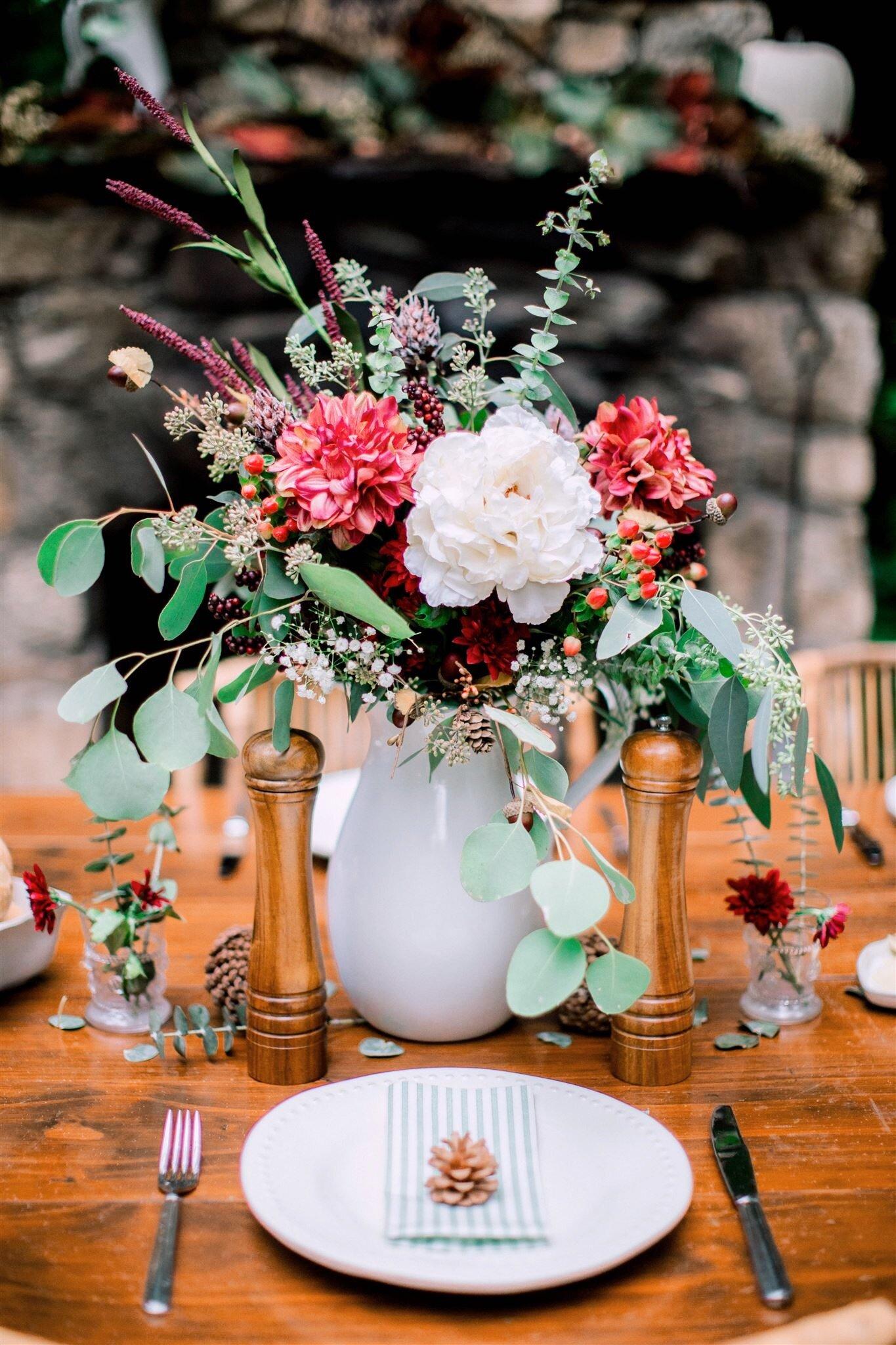 thanksgiving floral centerpiece.JPG