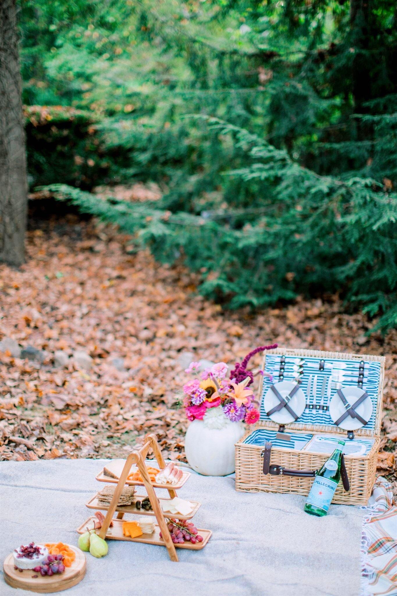 autumn girls picnic party.JPG