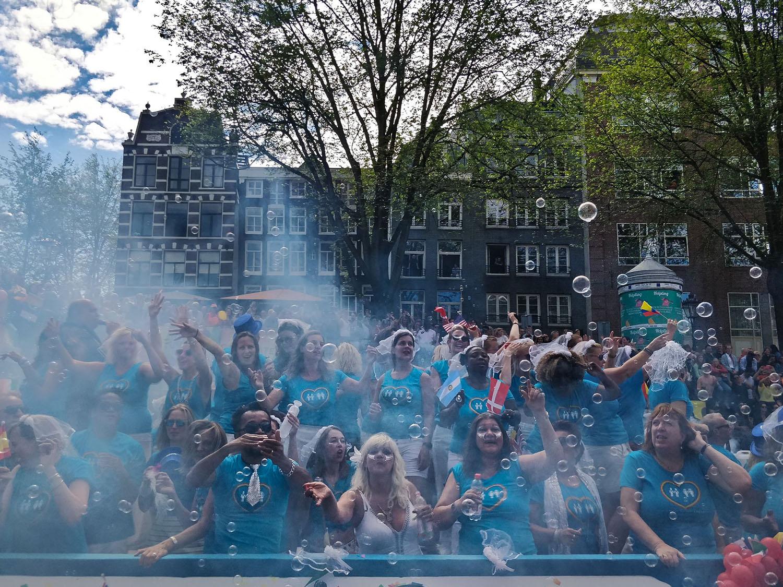 gay-pride-amsterdam-floats.jpg