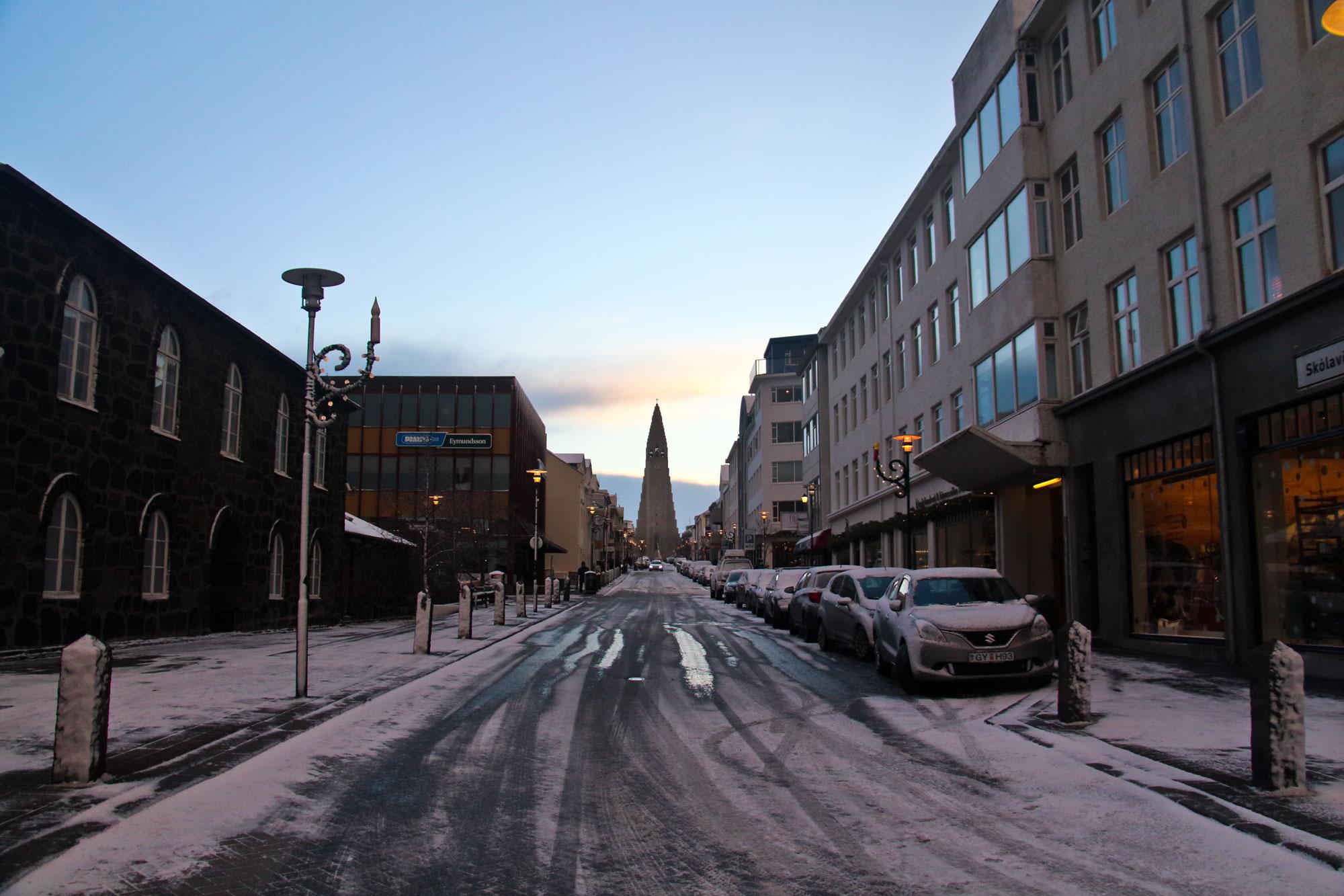 iceland-reykjavik-hallgrimskirkja-church.jpg