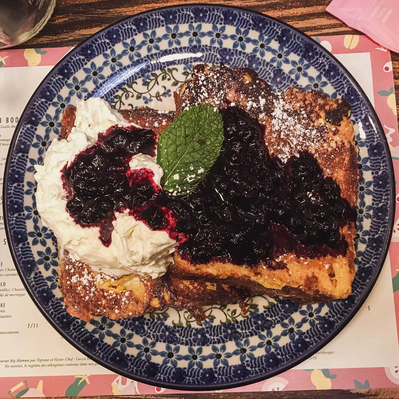 big-love-cafe-paris-french-toast-flatlay.jpg