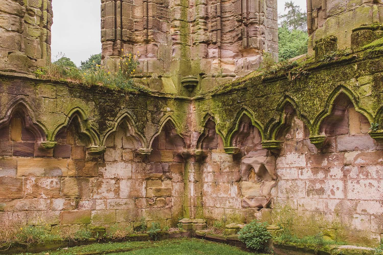 fountains-abbey-england-walls.jpg