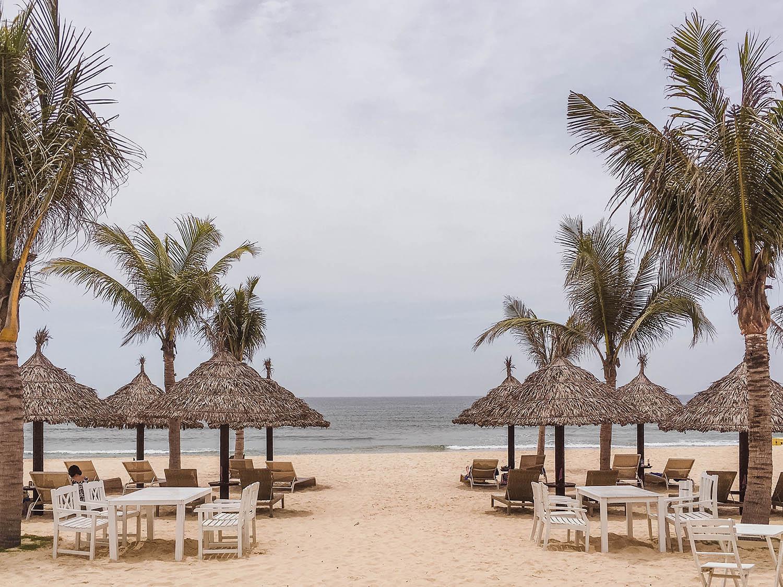 beach-da-nang-vietnam.jpg