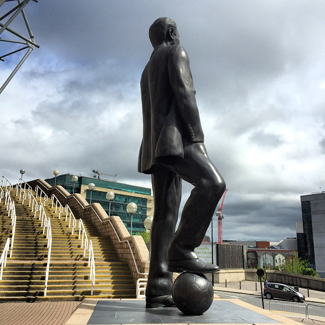 """""""Howay the lads"""" #SirBobby #NUFC Tonight in Newcastle with #MichaelChapman  http://ift.tt/1AjFOyK"""