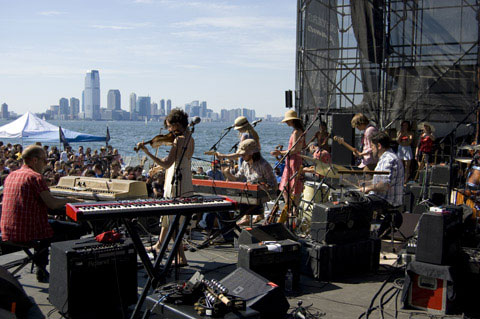 Sat in on piano and Wurlitzer on the 4th of July with  Oakley Hall  at  the Beach at Governors Island concert series  opening for the band  She and Him . It was a gas, gas, gas…