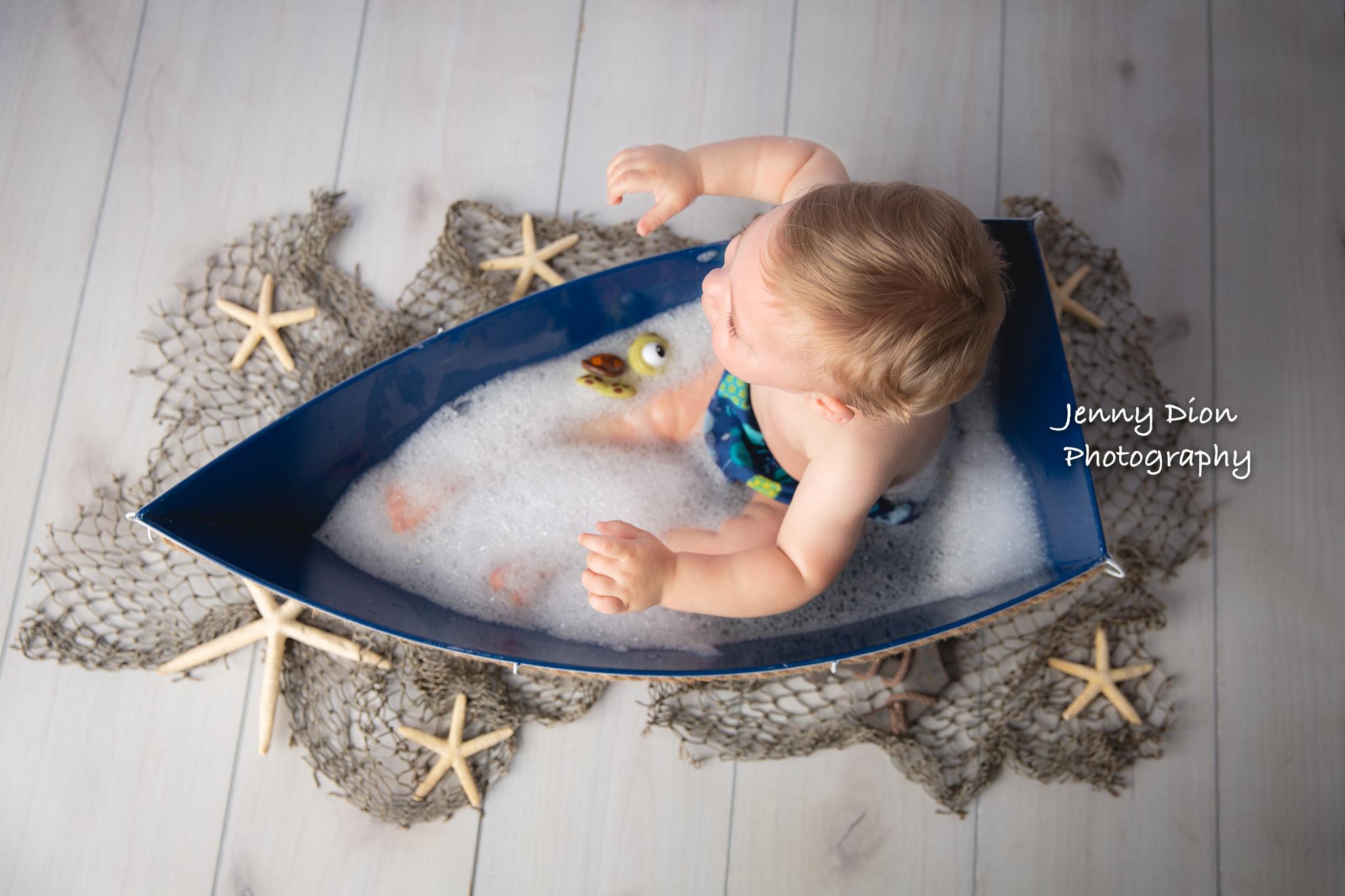 Bubble bath in a boat!