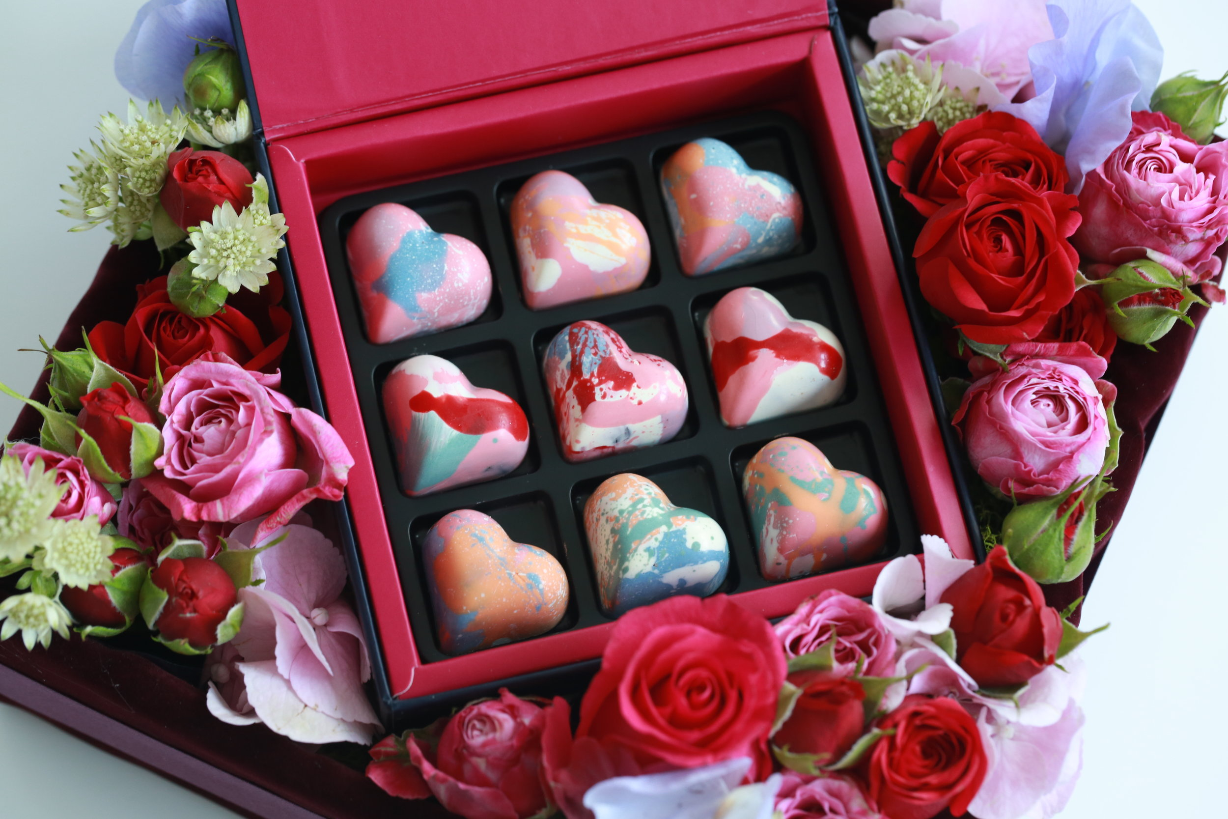 Valentines Day Special Box of 9 and Flowers