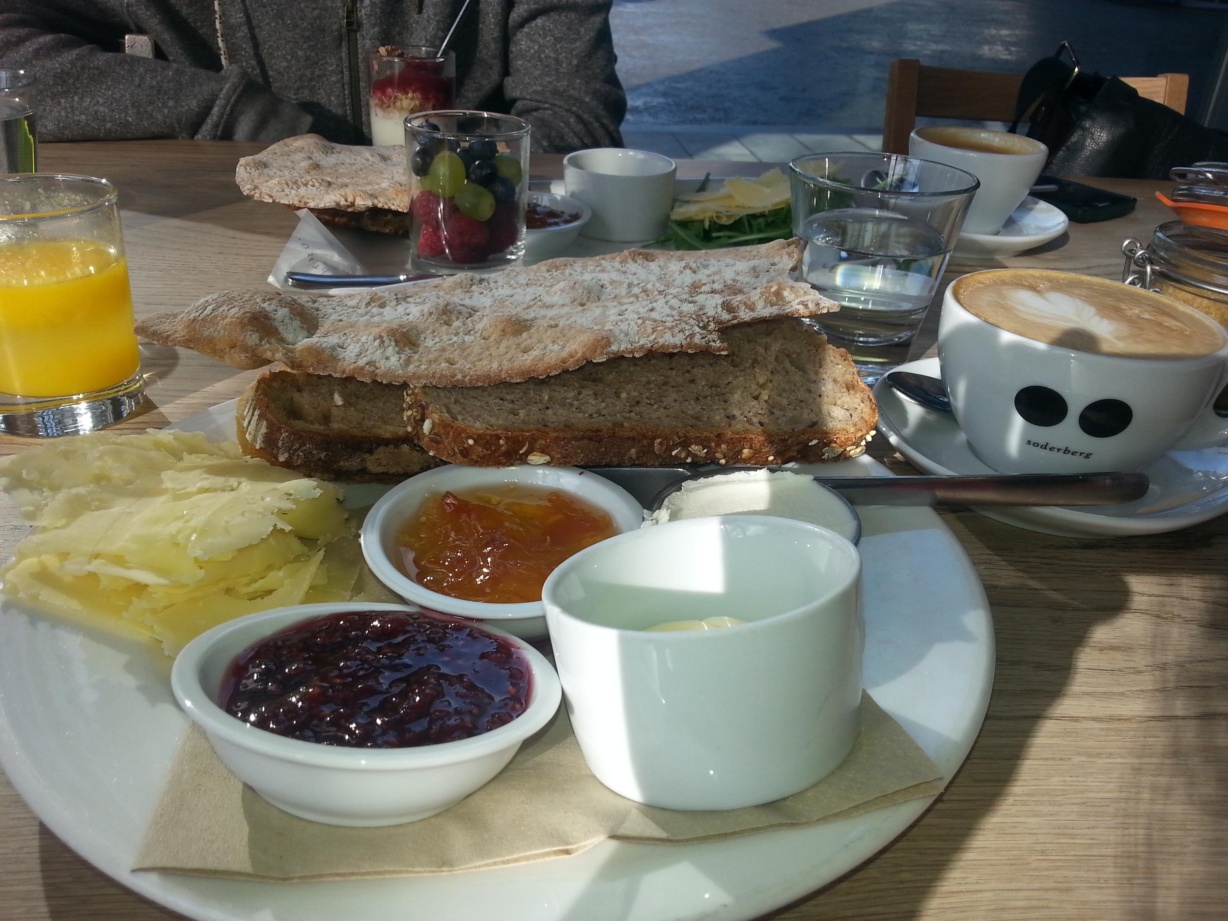 Breakfast Peter's Yard style