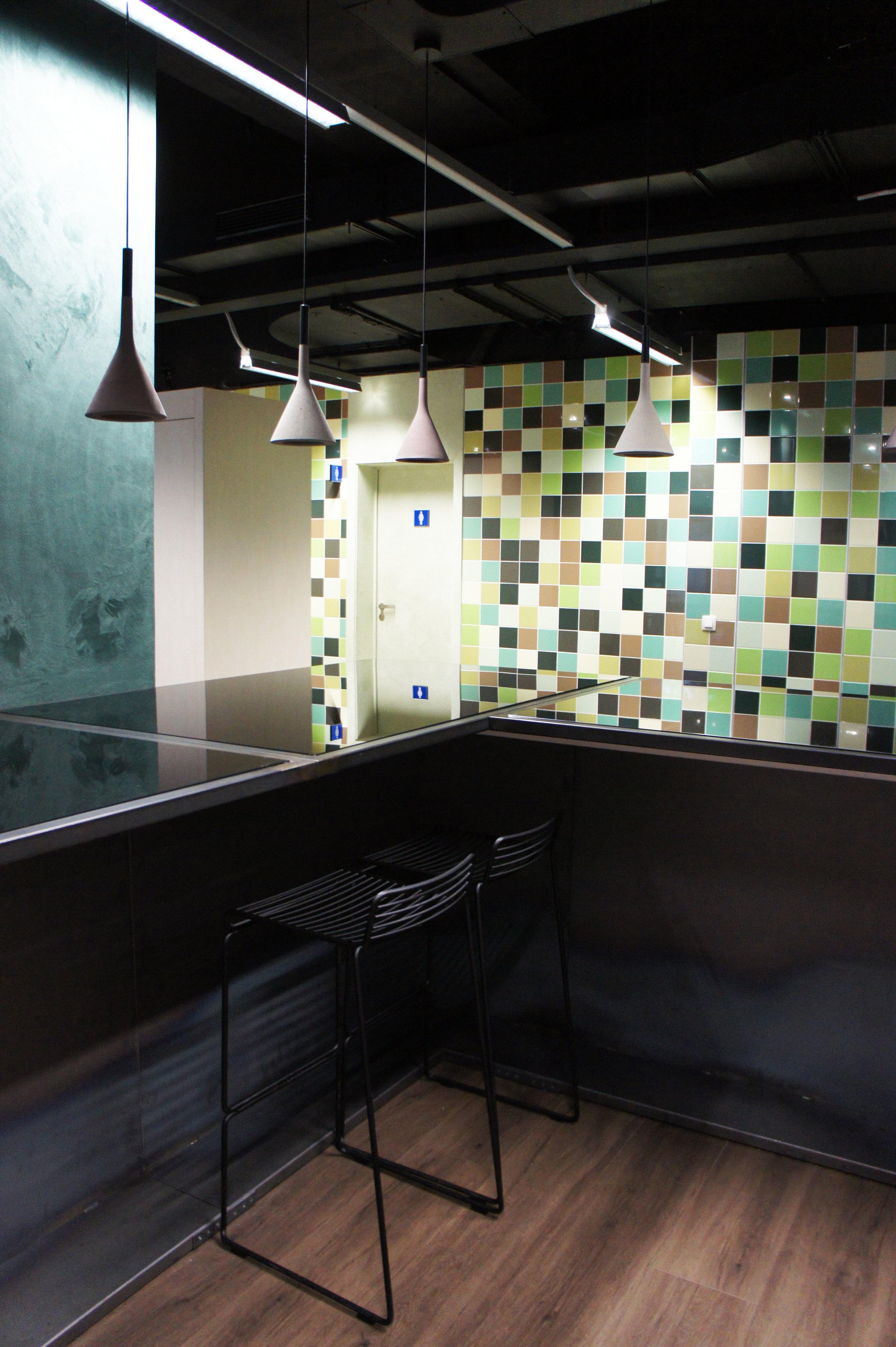 Interior renovation of an existing office building in Groot-Bijgaarden (BE).