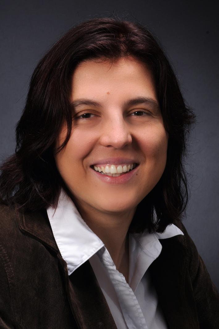 """Ludmila Carone Astrophysicist, MPIA - """"The workshop was ideally suited to the specific needs of a postdoctoral researcher. I could immediately apply several concepts to a highly competitive observation proposal that I was working on."""""""