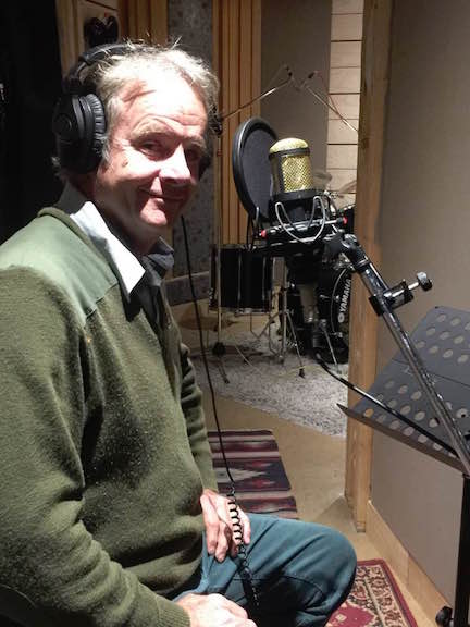 MAY 2017 - local singer Rob Kane was in the studio laying down some velvet-toned croons for a Bing Crosby-styled song for a Sydney client.