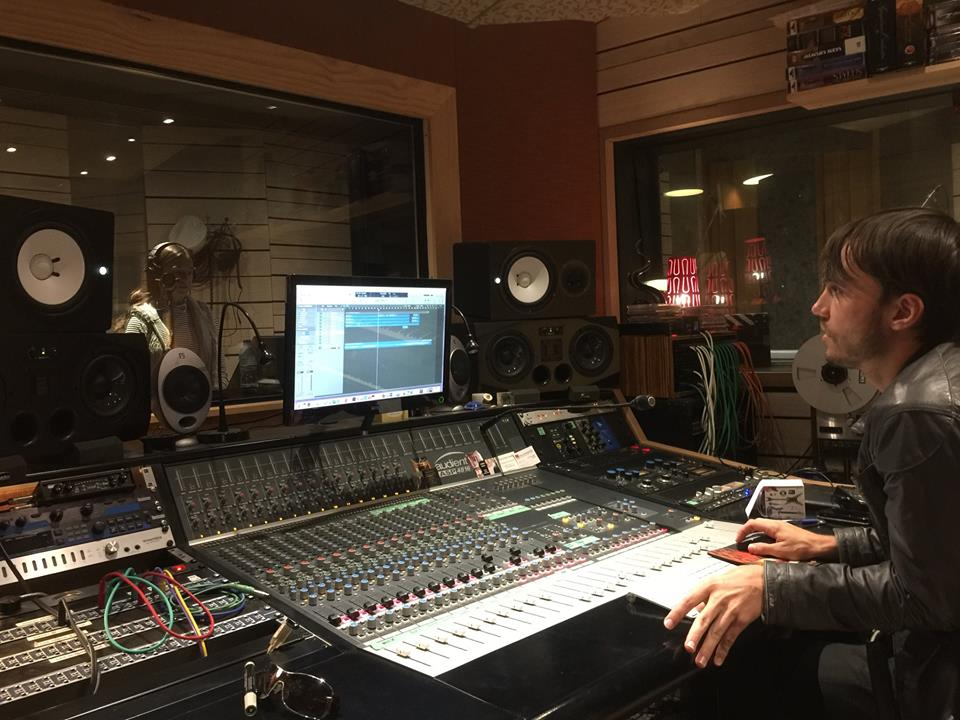 February 2018 - Bangkok-based EDM producer John Lavido was in the studio recently tracking vocals with Ely McIntyre for a forthcoming release.