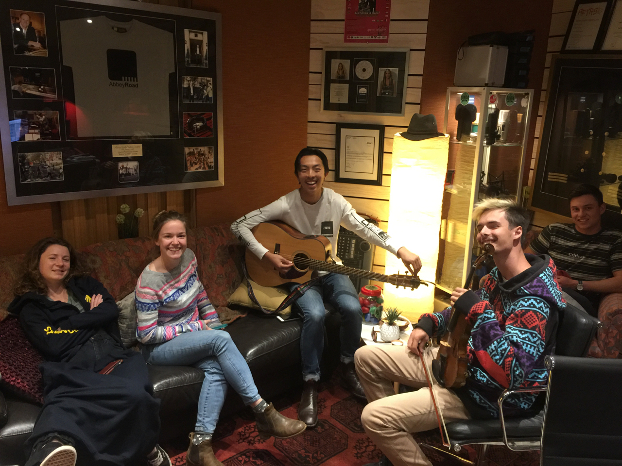 Oct 2018 - We welcomed Jerry Yu, Vince Umbers and Guillaume Frere to the studio for the October long weekend. Check out their fantastic version of Noah Gundersen's 'Cigarettes' in the link above!