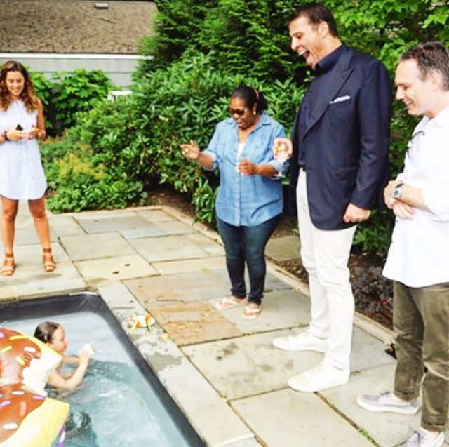 Guest celebrity appearance at Casa Binn w/ @TonyRobbins as he gives my little man Oscar swimming lessons! You can't make this stuff up. #MyHamptons #HamptonsDuJour #BinnShot