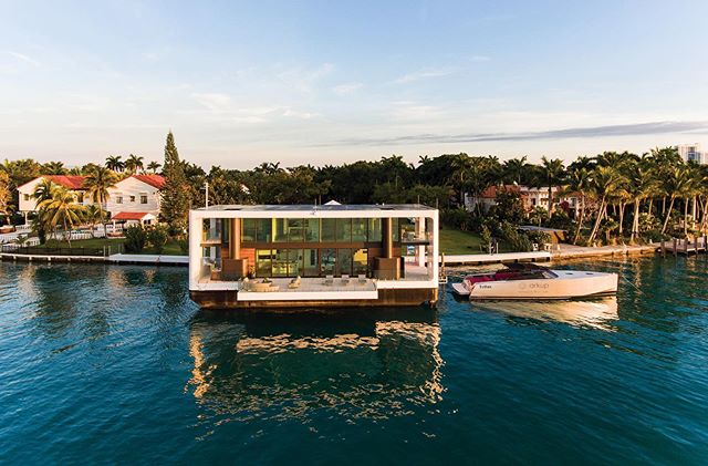 "Simply amazing.⠀ This avant-garde ""livable yacht"" by @arkup.livableyachts is the first off-grid floating villa. #SoDuJour #ExclusivelyDuJour #DuJour"