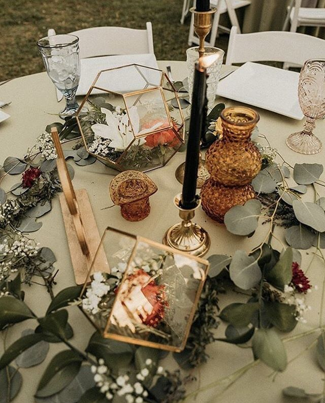 Want a trendy non traditional centerpiece, no problem 👌🏽 Schedule a warehouse tour with us to see all of our amazing pieces! 📷 @theportos . . . . #WeddingPlanning #WeddingPlanner #WeddingInspiration #WeddingInspo #InstaWedding #DreamWedding #EventPlanning #WeddingDetails #WeddingFashion #WeddingDecor #Bride #BrideToBe #BridalLook #BrideStyle #BridalBouquet #BrideOfTheDay #BrideStory #BridalWear #WeddingDress #WeddingGown #BrideBlogger #orlandoweddingplanner #nycweddingplanner #WeddingDay #WeddingPhotography #WeddingDress #WeddingPhotographer #WeddingInspiration #Marriage #InstaWedding